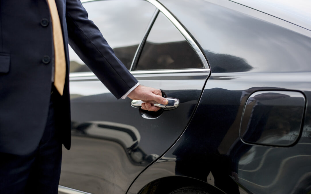 5 Important Reasons Why You Should Hire a San Diego Airport Limo